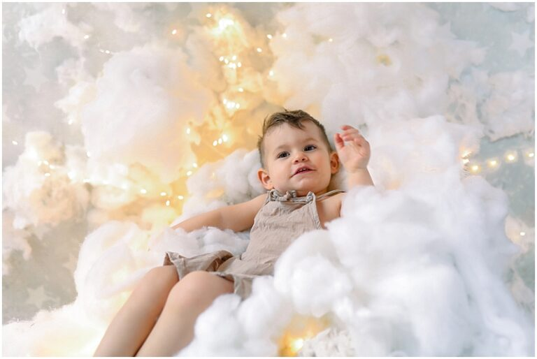photo de petit garçon dans les nuage