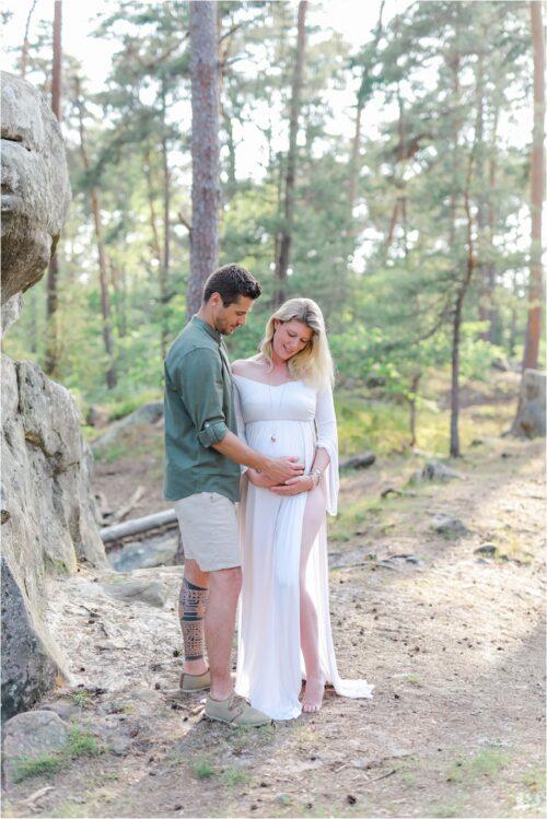 photo de femme enceinte avec future papa