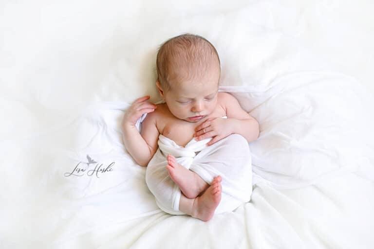 séance nouveau-né en blanc à domicile 77