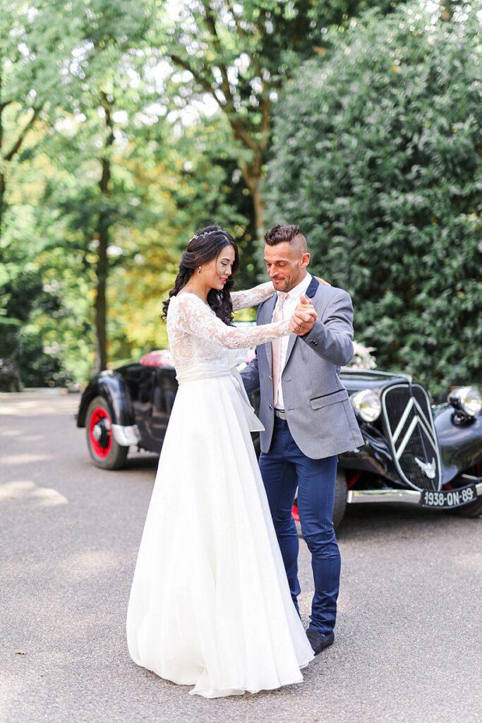 mariés qui danse une valse au manoir des roches